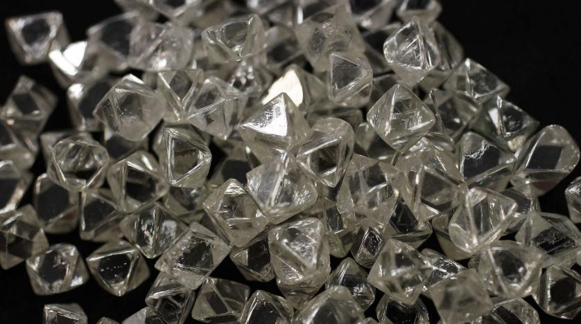 Figure 1 – Des diamants non taillés d'Afrique Australe et du Canada, au siège de De Beers à Londres. Crédit Stefan Wermuth/Reuters